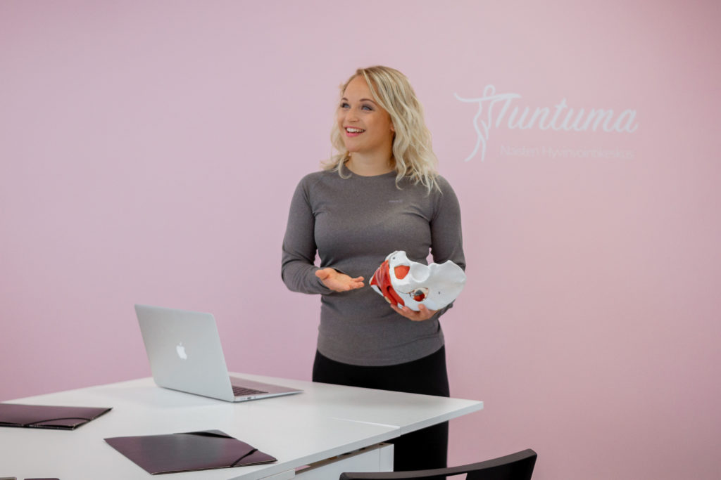 Tuntuma tarjoaa yrityksille koulutusta laajasti naisten hyvinvointiin liittyen
